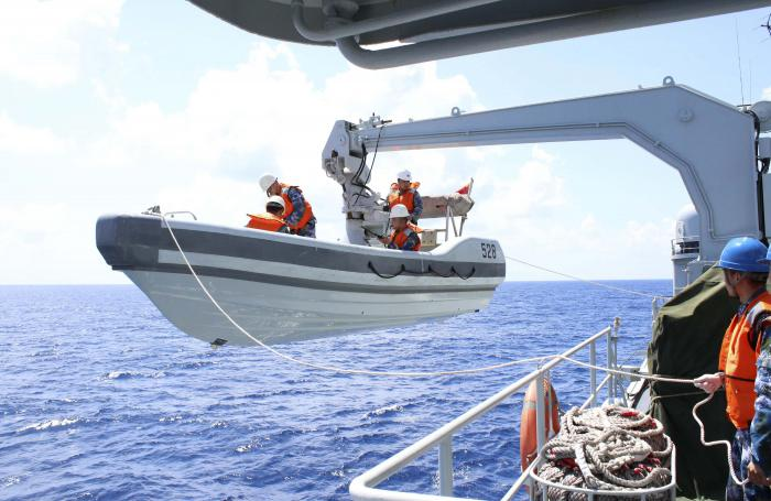 Thailand Navy Phuket Malaysian Airlines Search