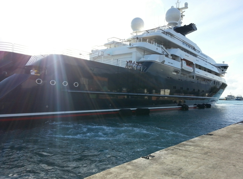 MY-Octopus-Seal-Superyachts-Seychelles-Yacht-Agents-1