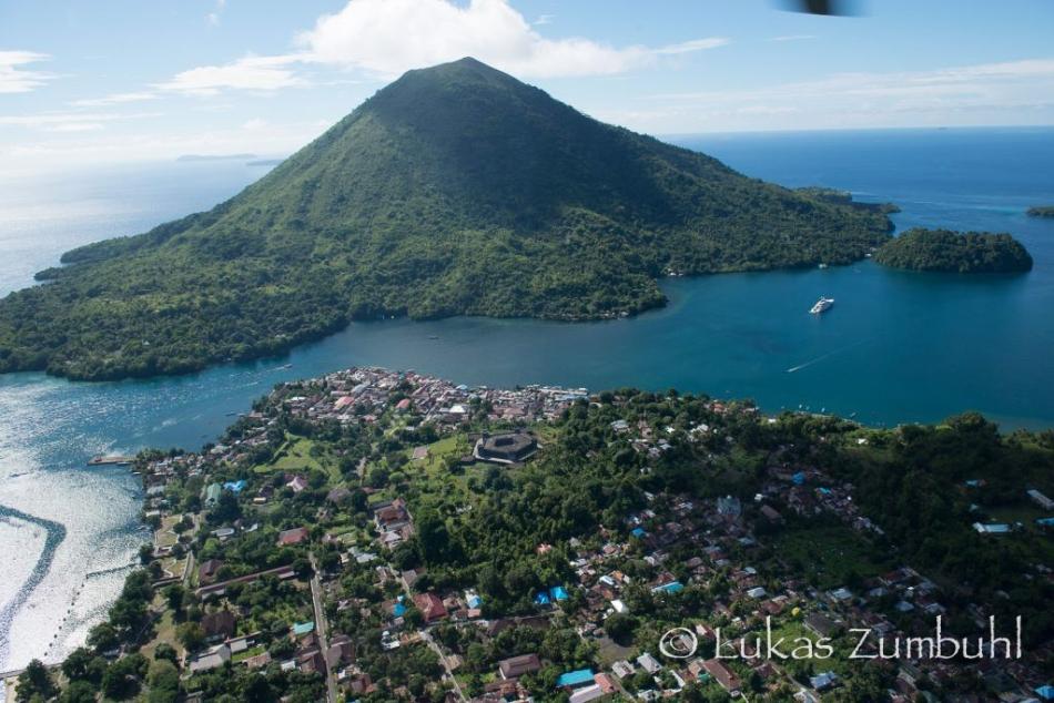 Banda-Neira-2-Indonesia-Superyacht-Agents-Lighthouse-Seal