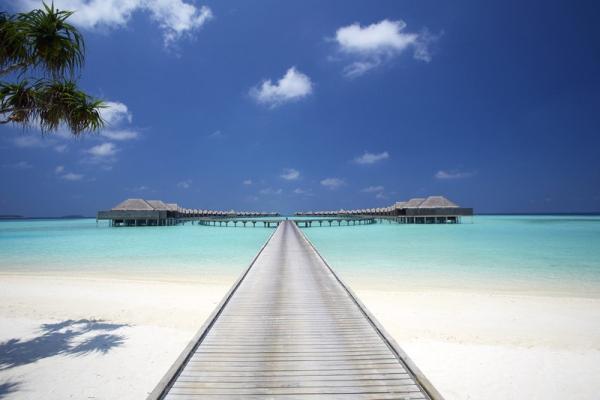 Anantara_Kihavah_Villas_Maldives_Superyacht_Agents
