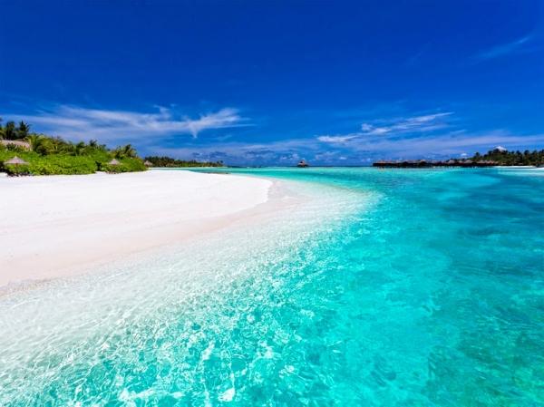 Anantara-Dhigu-Maldives_Yacht_Agents