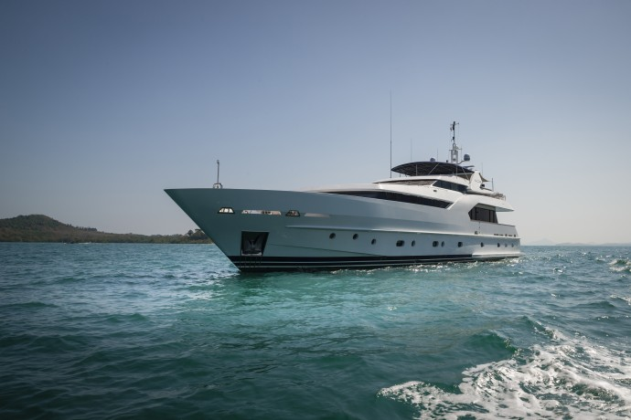 MY Azul Billionaire.com Seal Superyachts