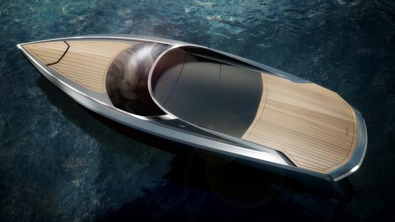 Quintessence-Aston-Martin-Top Closed_LR-Seal-Superyachts