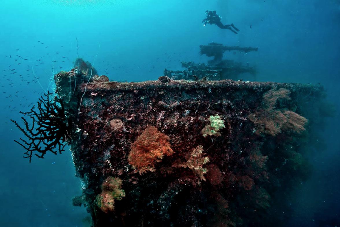 Chuuk Lagoon ww2 wrecks