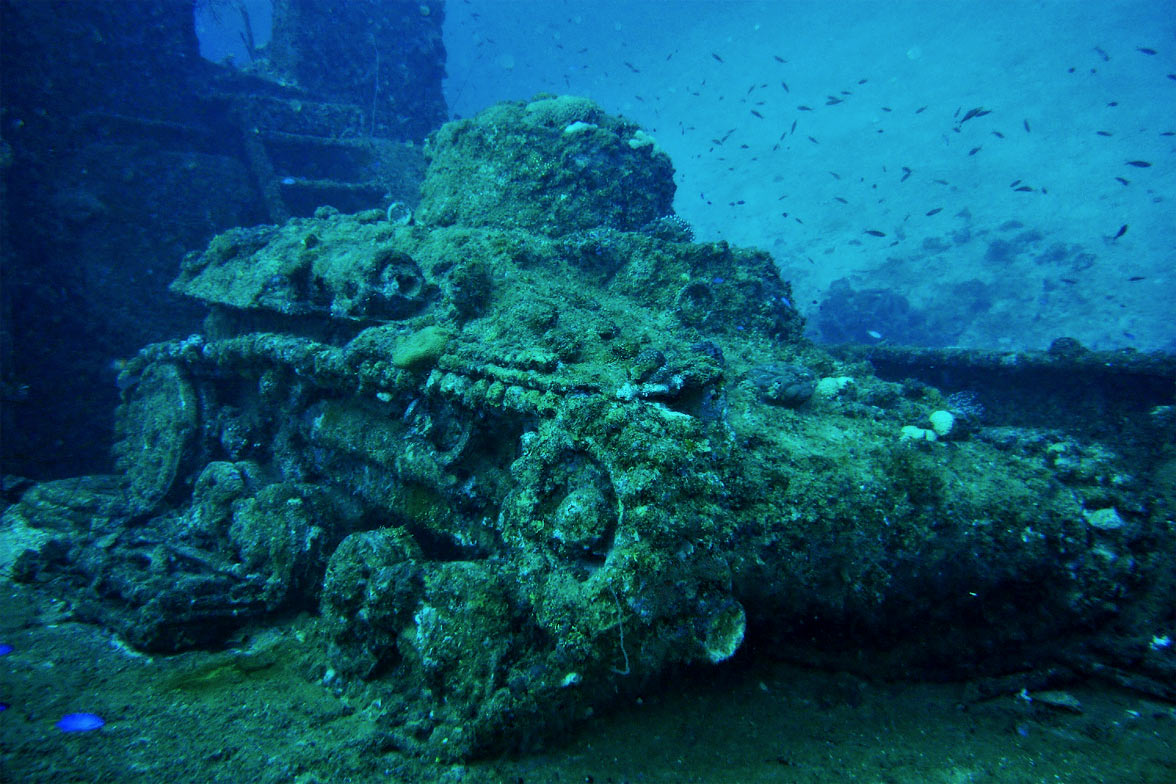 Chuuk Lagoon tank wreck